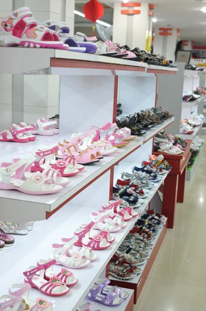 shoe store: Little girl sandals shoe store