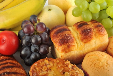 fiber food: Fruit and bread