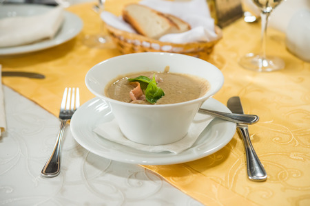 green lentil: Cream soup with green lentil