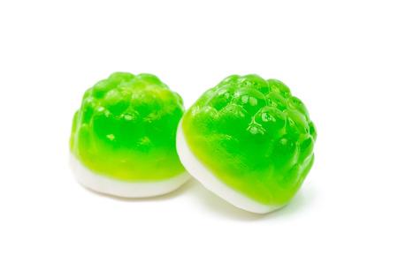 caramelos de gelatina sobre un fondo blanco