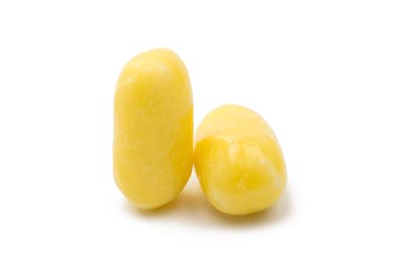 흰 배경에 고립 된 사탕 알약