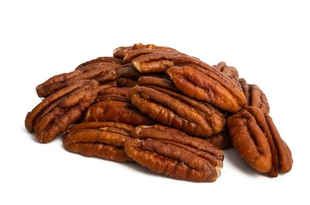 pecans isolated on white background Foto de archivo - 133489769