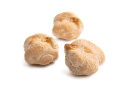 chickpea beans on a white background Foto de archivo - 133489814