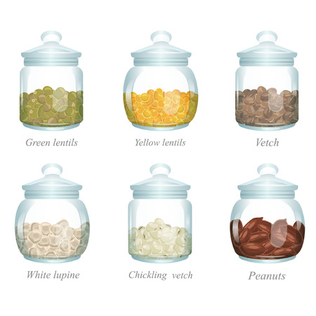 There are green lentils, yellow lentils, vetch, white lupine, chickling vetch and peanuts in the glass jars
