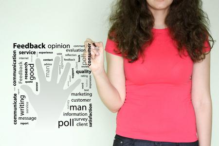 feedbackconcept.赤い女の子はマーカーを持っている。パームフォワードアイコン
