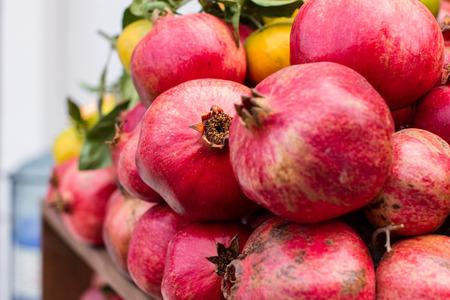 garnets: Arabic red garnets, fruit, fresh juice