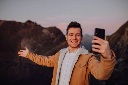 Mountain selfie in winter time Imagens