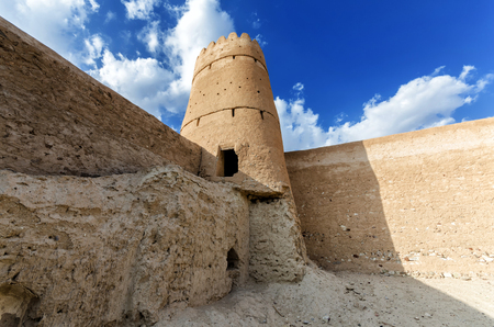 bani: Ruins of the old arabic fort, located in the town of Jalan Bani Bu Ali, Ash Sharqiyah Region, Sultanate of Oman Stock Photo