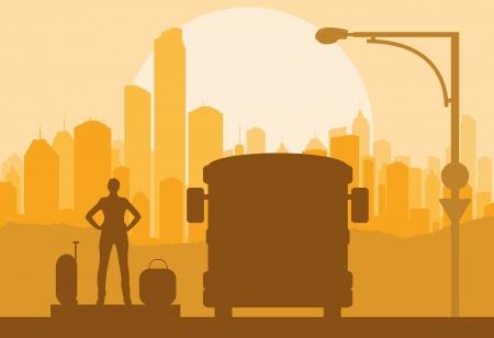 pobres: Pasajeros de autobuses y viajeros de espera con las maletas delante de fondo vector de la ciudad