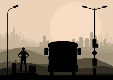 passenger buses: Pasajeros de autobuses y viajeros de espera con las maletas delante de fondo vector de la ciudad