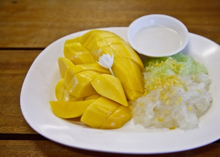 Mango with Sticky Rice is Thai food photo