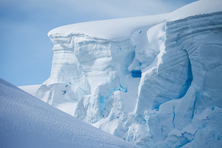 berg: iceberg in antarctica on the cold weather