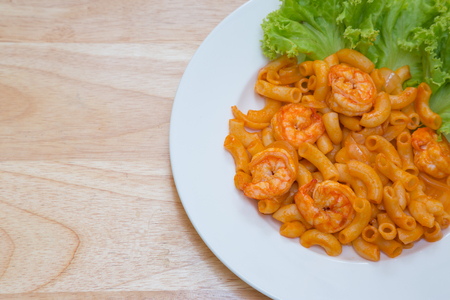 meal time: Stir fried macaroni with prawn for meal time
