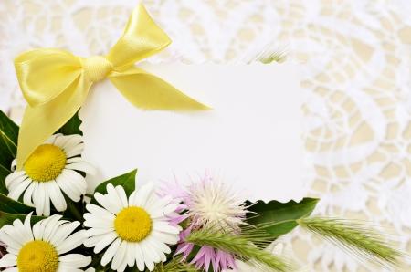 Bouquet Von Gänseblümchen Auf Einem Hintergrund Häkeln Lizenzfreie ...