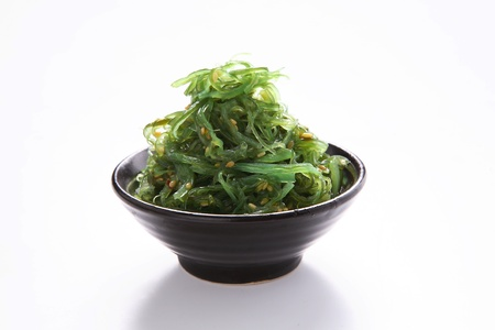 algas marinas: Cocina japonesa, ensalada de algas  Foto de archivo