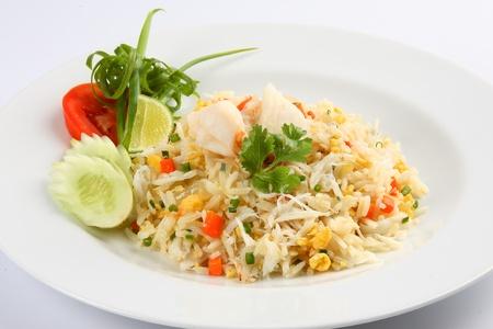 huevos fritos: arroz frito, cocina tailandesa