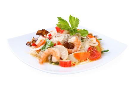 plato de ensalada: Ensalada de fideos picante comida tailandesa