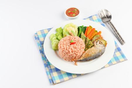 fried mackerel with shrimp paste sauce nam prik kapi pla too Zdjęcie Seryjne - 44299058
