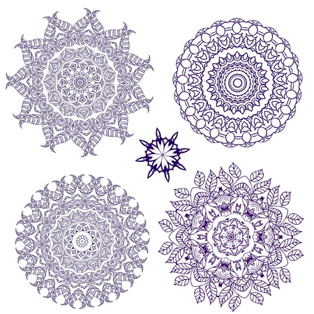 arabesque pattern lace napkins Vector