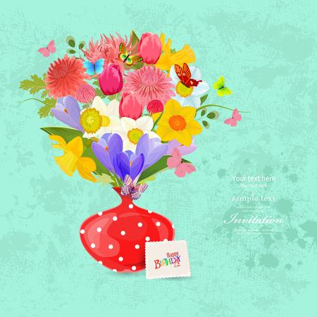 flores de cumpleaños: Tarjeta de invitación con el ramo de flores hermosas en un florero rojo lindo. Felicidades con feliz cumpleaños.