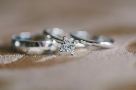 bodas de plata: Anillos de bodas de plata apiladas