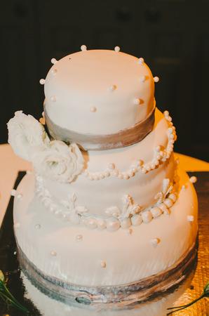 Round Ivory Pearl Wedding Cake