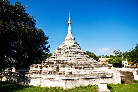 buddhist stupa: Stupa budista en Nan, Tailandia
