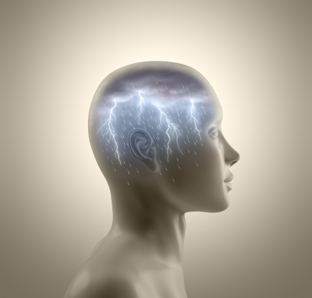 cognicion: Tormenta dentro de la cabeza. Rel�mpagos y la lluvia cae de las nubes que simboliza el concepto de brainstorm. Foto de archivo