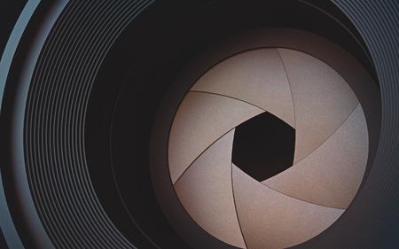 En regardant à travers l'objectif de la caméra. Le diaphragme en photographie macro.