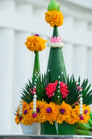 idolatry: Garlands of flowers and sacrifice  For the idolatry of the king Stock Photo