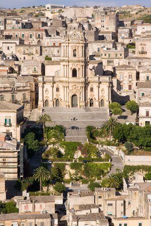 sycylijski: szczegóły typowej architektury, starego miasta Sycylijska
