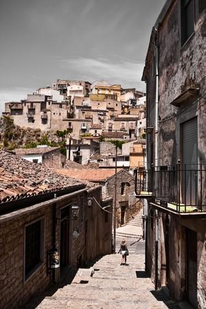 sycylijski: Typowy Sycylijskiej historyczne architektury, Sycylii Zdjęcie Seryjne
