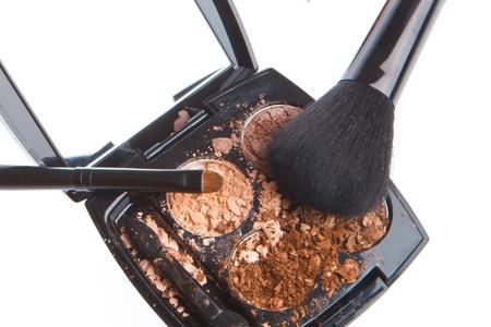 crushed compact eyeshadows with brush isolated on white background Stock Photo - 12306640