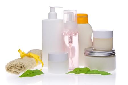productos de belleza: cosm�ticos spa aisladas sobre fondo blanco