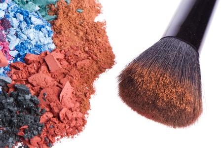 crushed eyeshadows with brush isolated on white background Stock Photo - 13098541