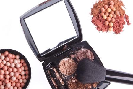 crushed compact eyeshadows with brush isolated on white background Stock Photo - 13098085