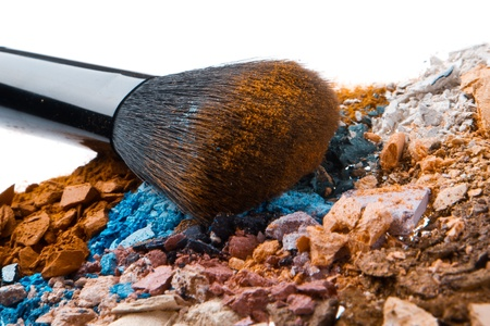 crushed eyeshadows with brush isolated on white background Stock Photo - 13275084