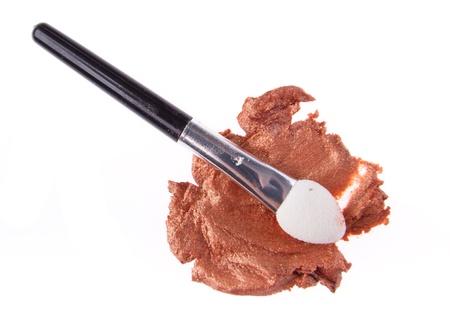 cream eyeshadow with brush isolated on white background Stock Photo - 14400495