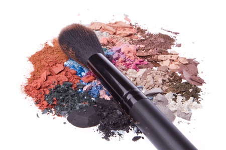 crushed eyeshadows with brush isolated on white background Stock Photo - 15149091