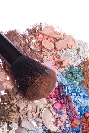 crushed eyeshadows with brush isolated on white background Stock Photo - 16058655