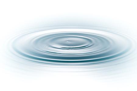 druppel water op een witte achtergrond