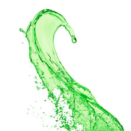 manzana verde: splash de jugo verde sobre fondo blanco