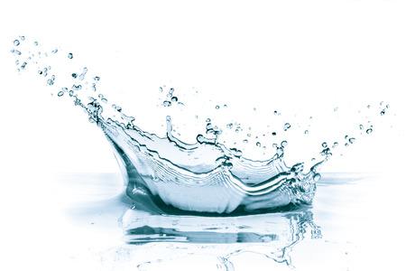 Salpicaduras de agua aisladas sobre fondo blanco Foto de archivo - 35894389