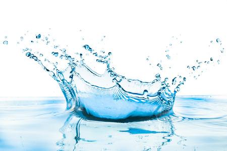 splash de agua: salpicaduras de agua con la reflexi�n