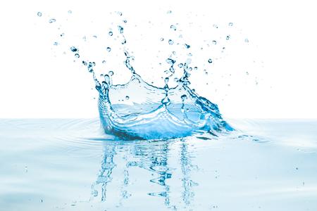 éclaboussures d'eau avec reflet