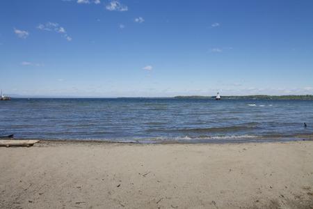 正午のビーチ