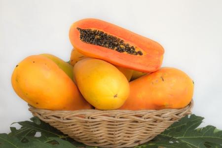ser humano: La papaya es muy saludable para el ser humano