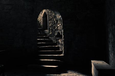 Het kasteel kerker met een lichtstraal