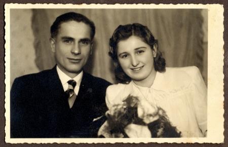 Jeunes mariés - circa 1950 Banque d'images - 23825288