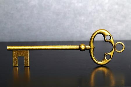 metal tips: Key